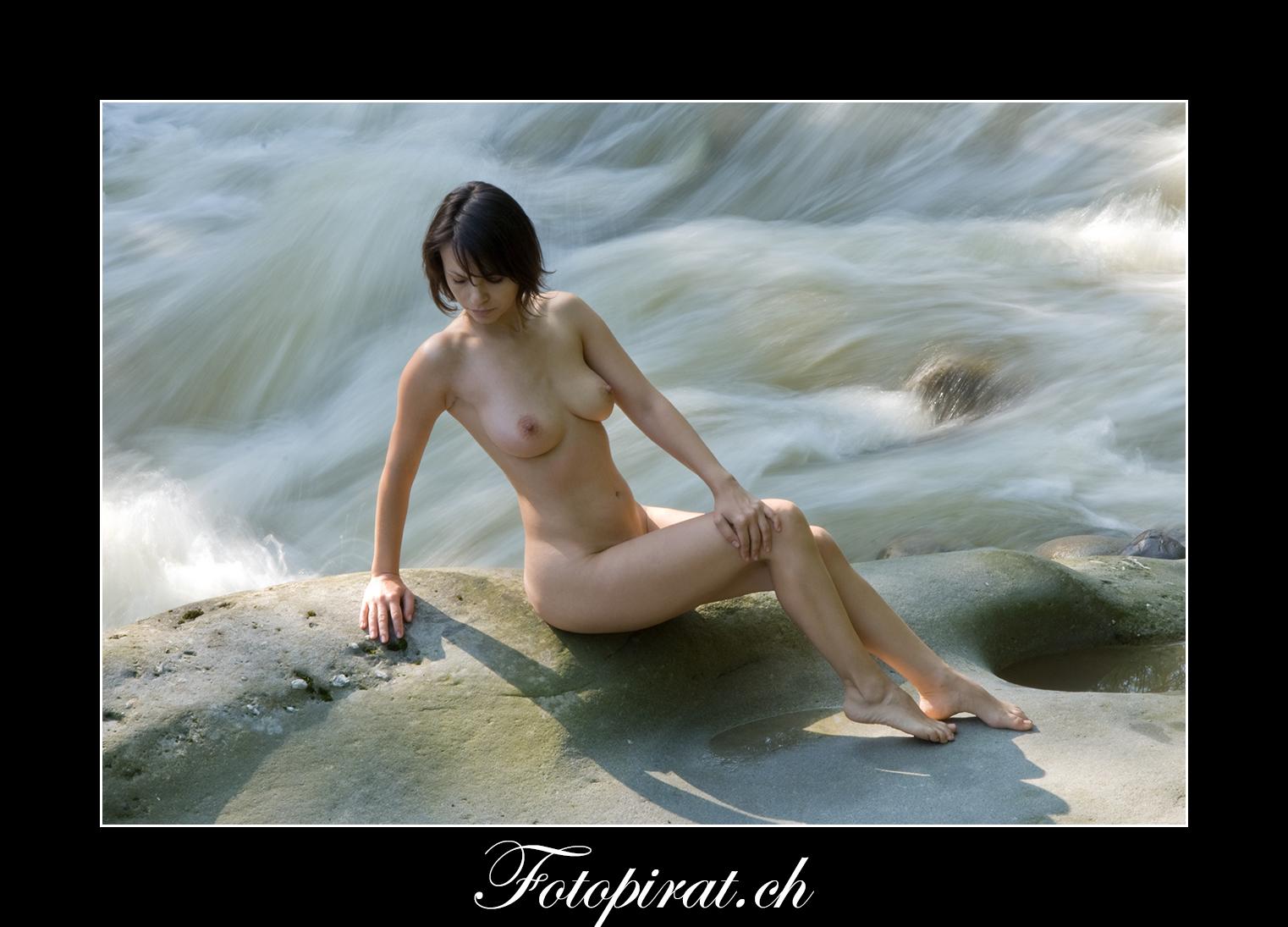 Fotoshooting, Outdoor, Akt, Nackt, Nudeart, Nude, Modelagentur, Fotomodel, erotik, Wasserfallshooting, Wasserfall,