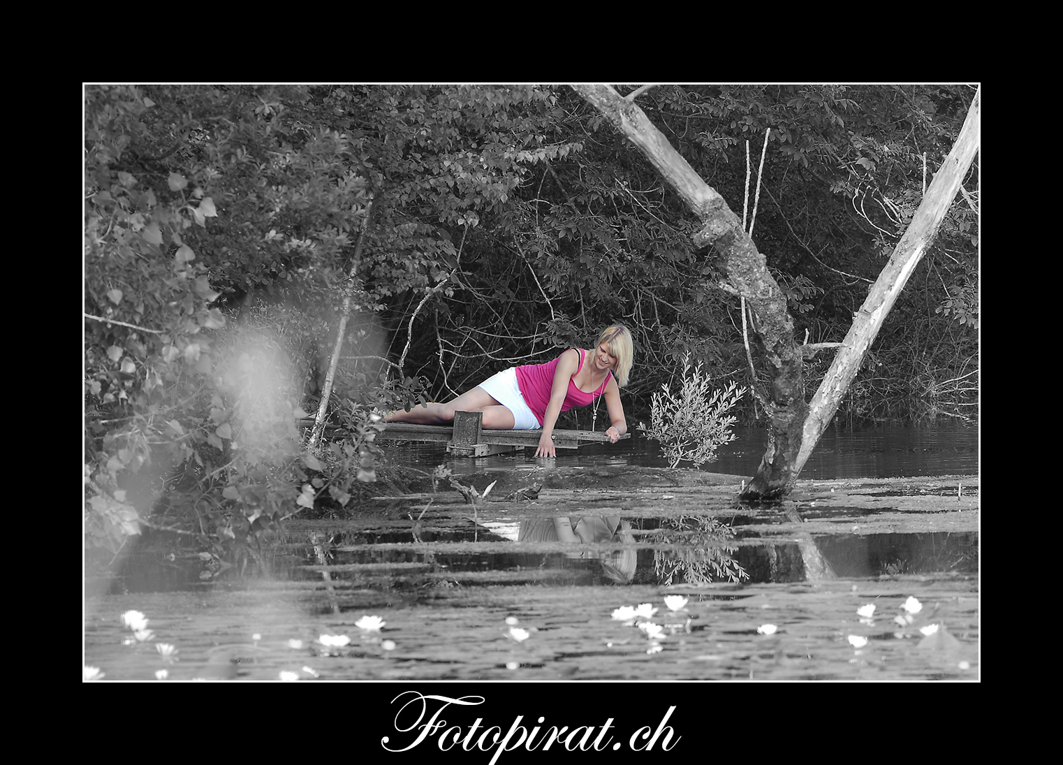 Fotoshooting, outdoor, Modelagentur, eyecatcher, Fitnessmodel, Teich, blondes Fotomodel