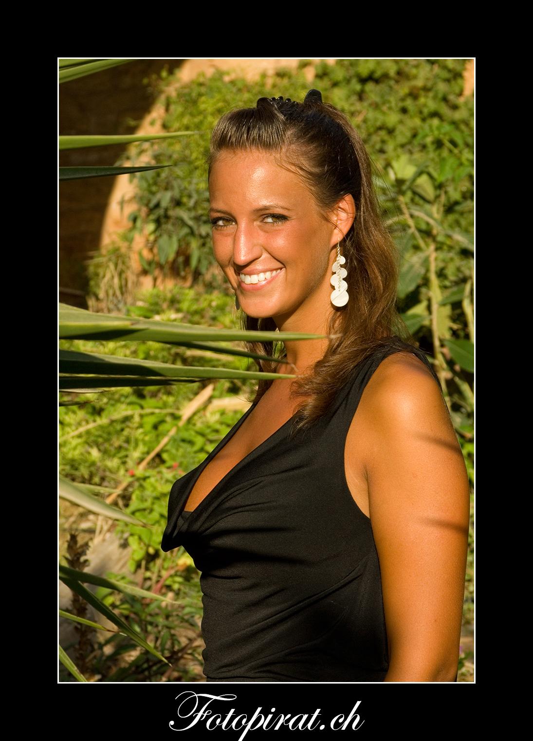 Fotoshooting, outdoor, Modelagentur, sexy Model, Sportmodel, Portrait, schöne Augen, Fotomodel