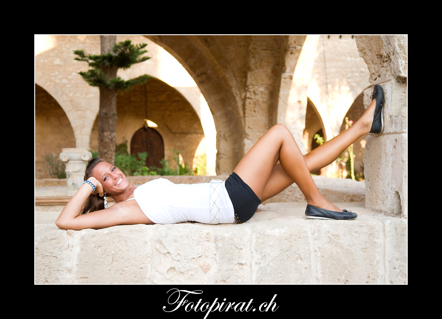 Fotoshooting, On Location, Kloster Ayia Napa, Modelagentur, Fotomodel,