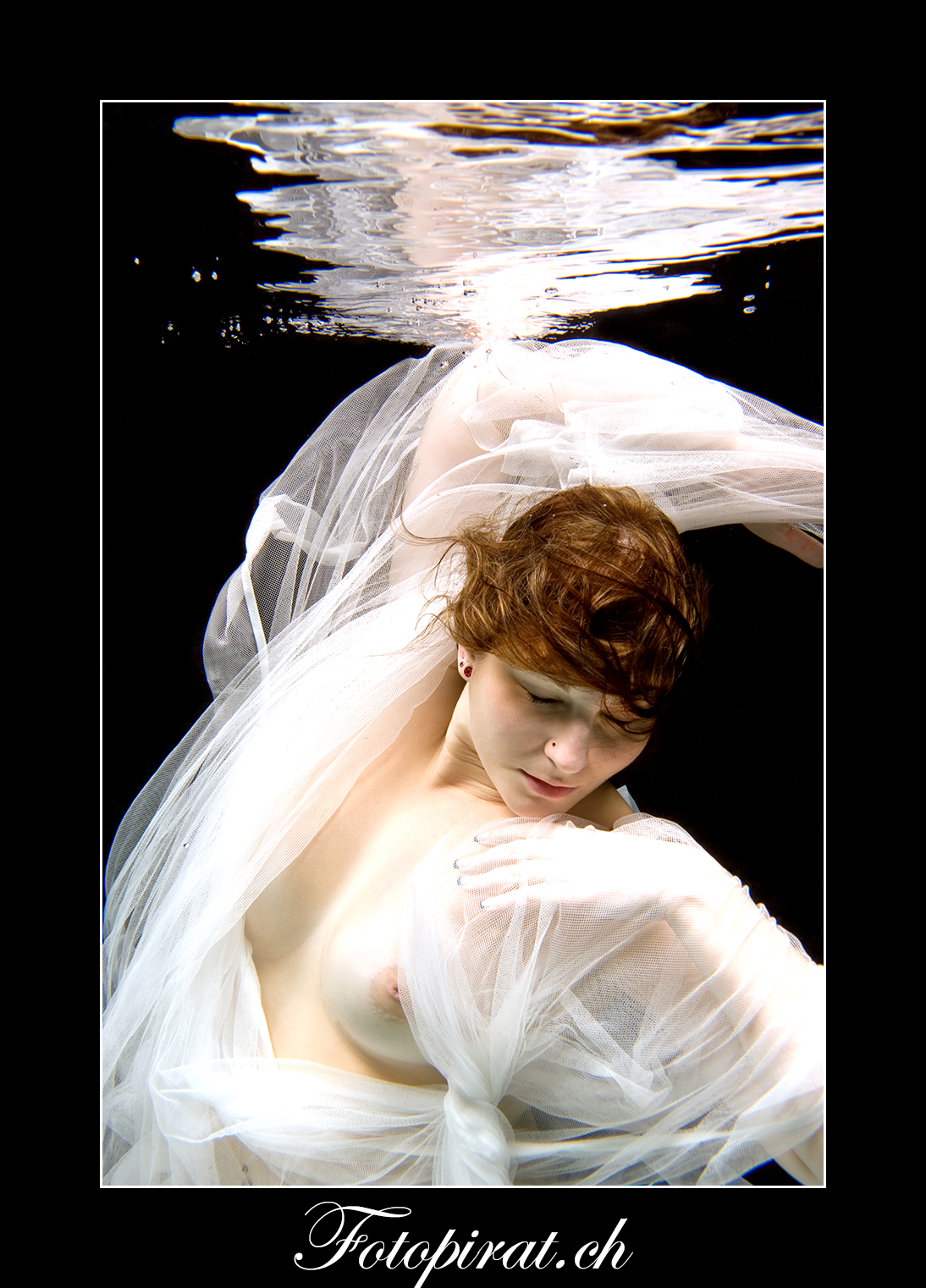 Unterwasser Fotoshooting, Underwater Photoshooting, Modelagentur, model werden, Fotoshooting Zürich, Nude Art, Nude, Akt, Teilakt