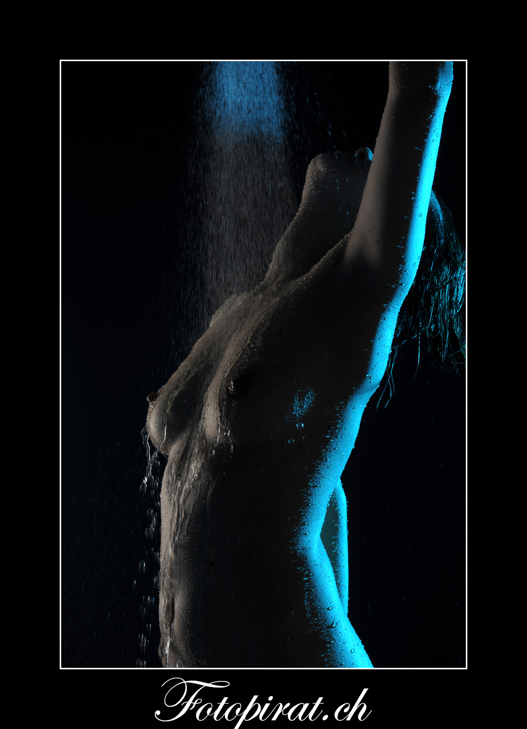 Fotoshooting, Fotostudio, Akt, Nackt, Nudeart, Nude, Modelagentur, Fotomodel, Strapse, Po, erotik, fotomodel werden, Duschshooting