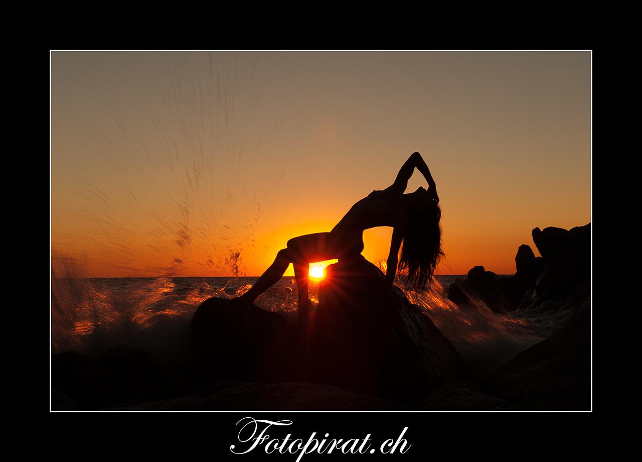 Fotoshooting, outdoor, Akt, Nackt, Nudeart, Nude, Modelagentur, Fotomodel, Sunrise, erotik, fotomodel werden, Beachshooting, Cote Azure