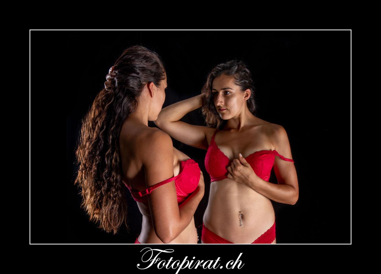 Spiegel, Fotoshooting, Dessous, Fotoshooting, rote Dessous, Fotoshooting Zürich, kostenloses Fotoshooting, Sensual,