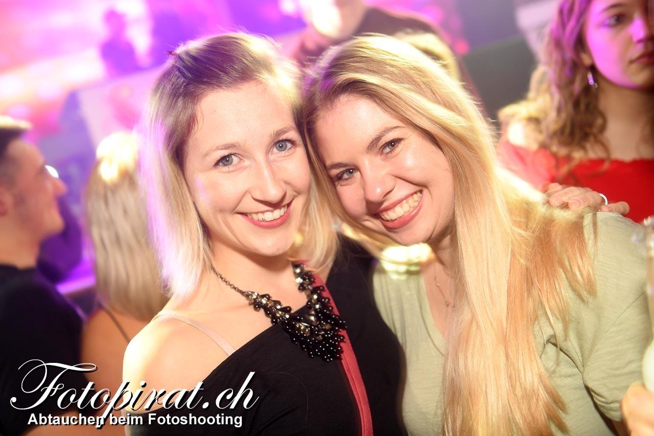 Bar_und_pub_Tuggen_MK6_443a